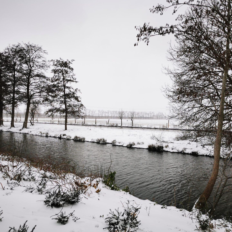 Winterse taferelen zorgen voor onveilige wegen en fietspaden